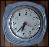 Klicke auf die Grafik für eine größere Ansicht  Name:Uhr.jpg Hits:0 Größe:141,9 KB ID:16